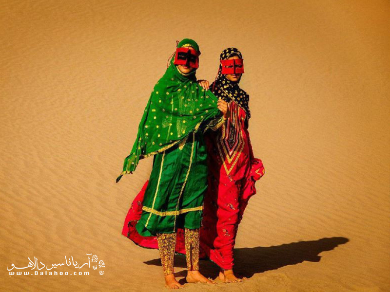لباسهای سنتی قشم بسیار مورد توجه گردشگران ایرانی و خارجی قرار گرفته.
