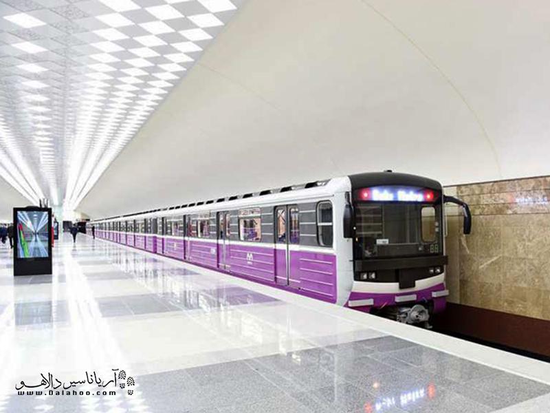 قطار در باکو