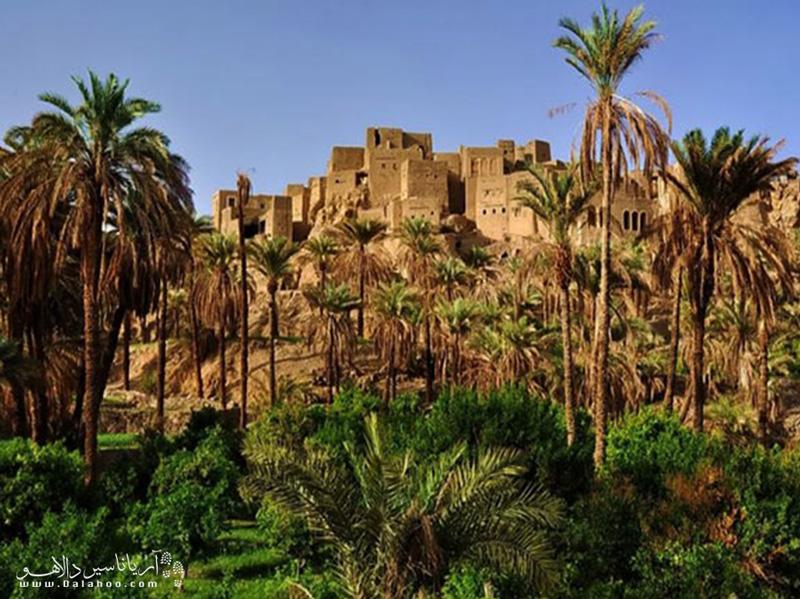 مهمترین بنای تاریخی این روستا قلعه ساسانی است.