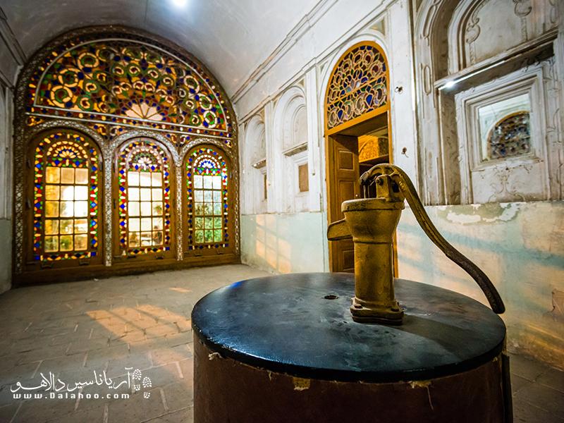 در موزه آب اسناد مبادله آب در گذشته وجود دارند.