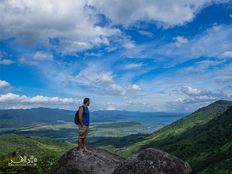 در سفر اندونزی، شما را به چالش آتشفشان کرینچی در بالای دره دعوت میکنیم