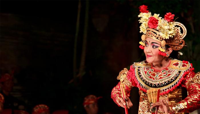 رقص در بالی