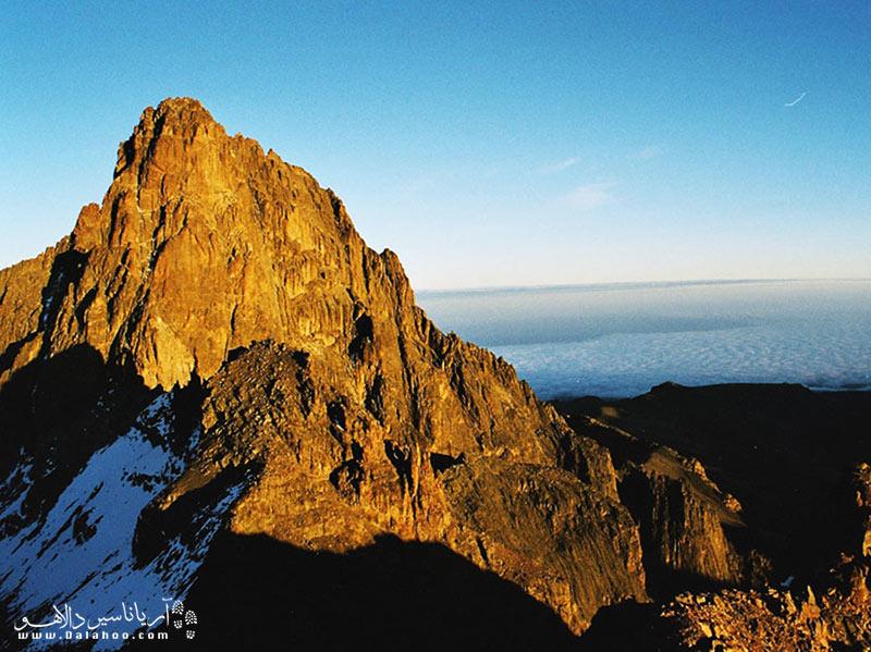 کوه کنیا دومین کوه بلند قاره آفریقا است که در سال 1997 در فهرست میراث جهانی یونسکو قرار گرفت.