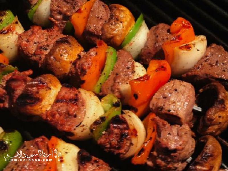شیش کباب نوعی کباب است که در کردستان پخته میشود.