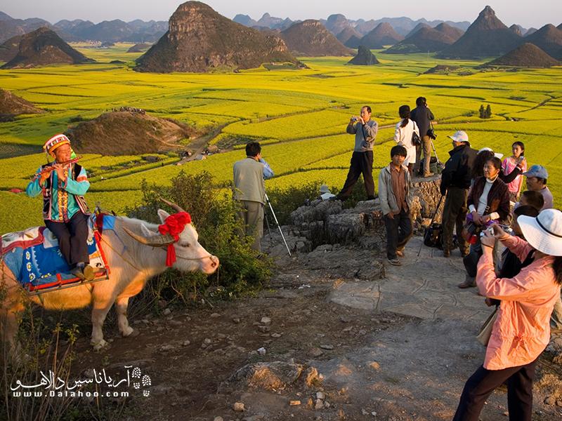 هنگامیکه به سفر میرویم بدانیم که میزبانهای ما (جوامع محلی) نگاهدارندگان میراث طبیعی و فرهنگی ما هستند.