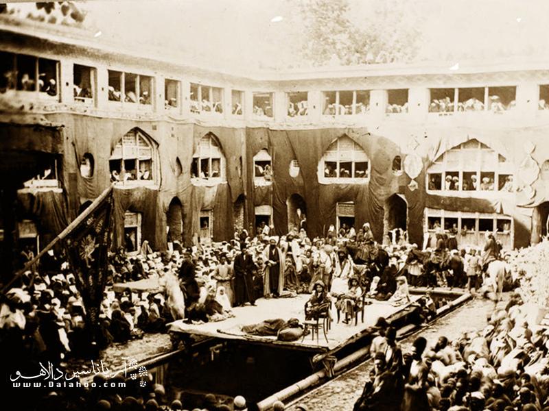مراسم تعزیه در تهران قدیم.