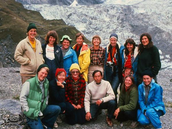 این تصویر، عکس واقعی گروه زنان صعودکننده به آناپورناست.