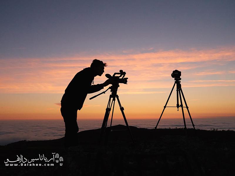 دوربینهایی که محدوده کانونی آنان بیشتر باشد، قادر به گرفتن تصاویر از فواصل دورتر باکیفیت مناسب میباشند.