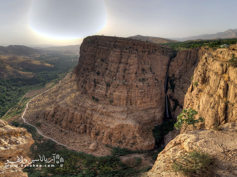 آبشار پیران یا آبشار ریجاب یکی از بلندترین آبشارهای ایران است.