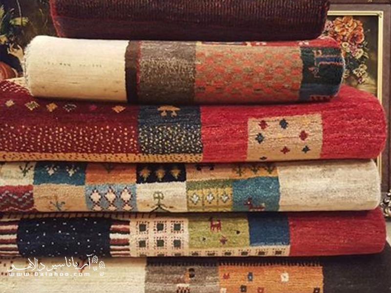 از جمله کهنترین و مشهورترین صنایع دستی بوشهر میتوان به گبه بافی اشاره کرد.