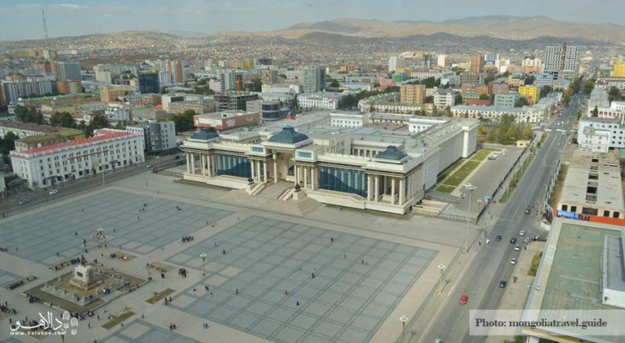 میدان سوخباتار