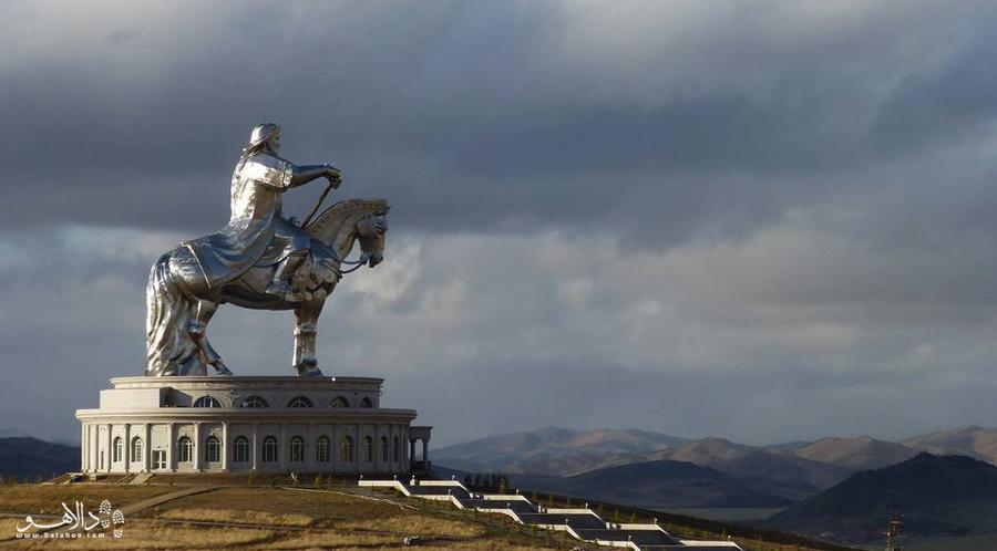 مجسمه چنگیزخان