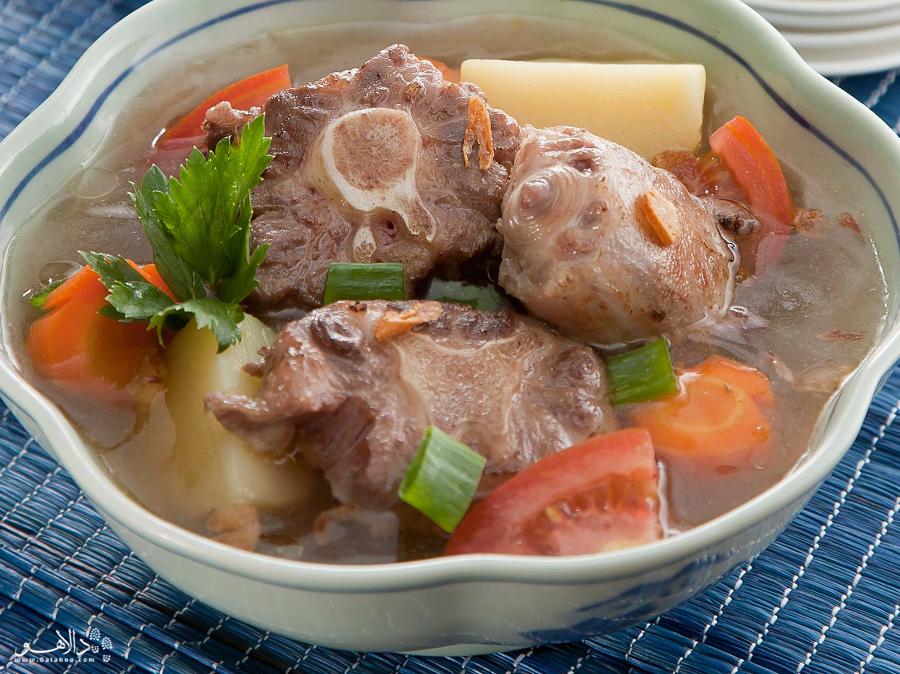 دم گاو یکی از لذیذترین غذاهاست که علاوه بر اندونزی در اسپانیا هم طرفدار بسیاری دارد.