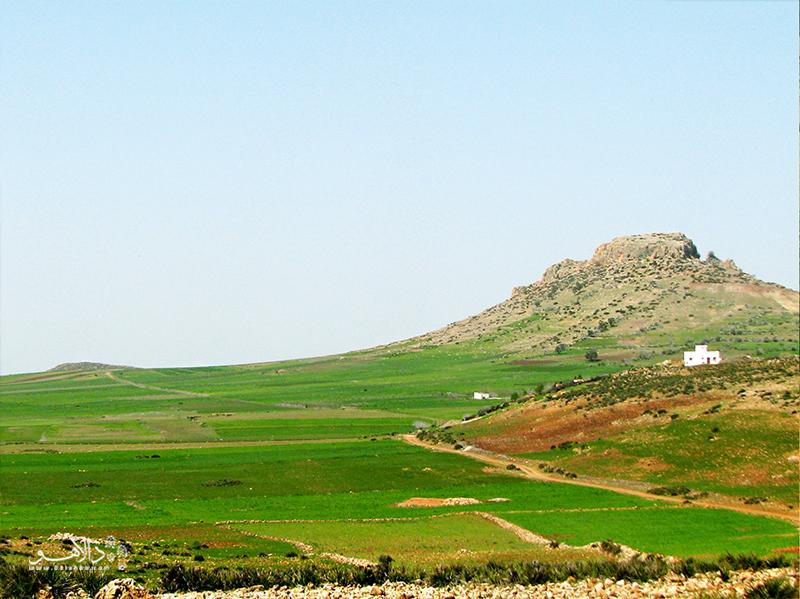 شهرهای کوچک مراکش و روستاهای خوشمنظره آن مکانهای مناسبی برای توقف و دیدار با افراد محلی و نوشیدن چای نعناع هستند.