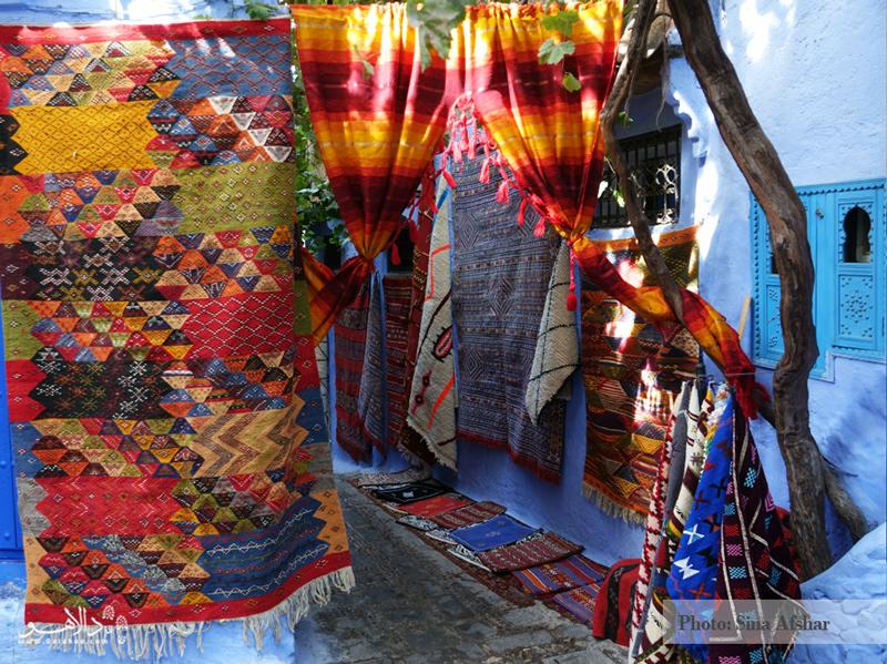 رنگ حرف اول را در مراکش و به خصوص شفشاوون میزند. در هر کوچهای که قدم بگذارید حتما با خود میگویید، اینجا معرکه است.