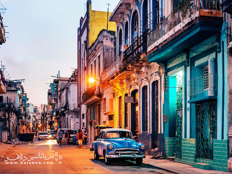 این ساختمانها را با  رنگهای متفاوت و شاد فقط در کوبا خواهید دید.