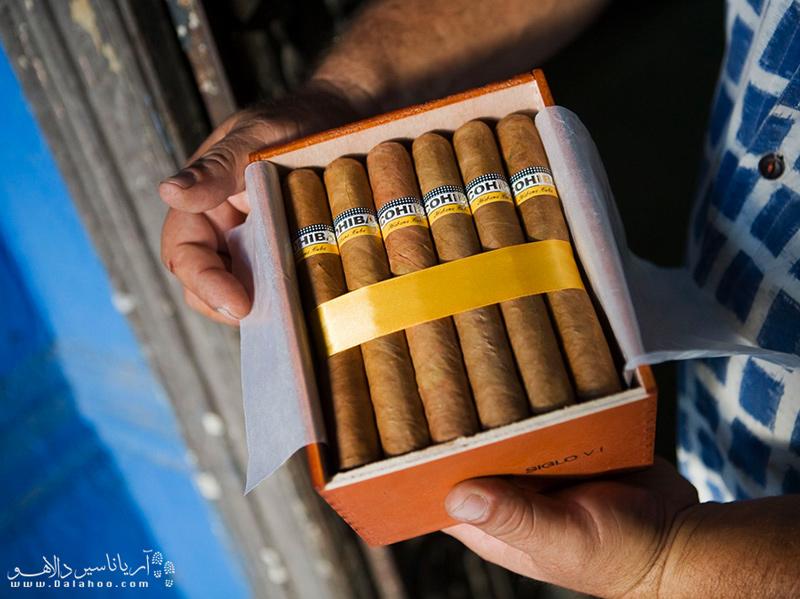 ساخت سیگار برگ کوبایی صنعت اصلی در کوباست.
