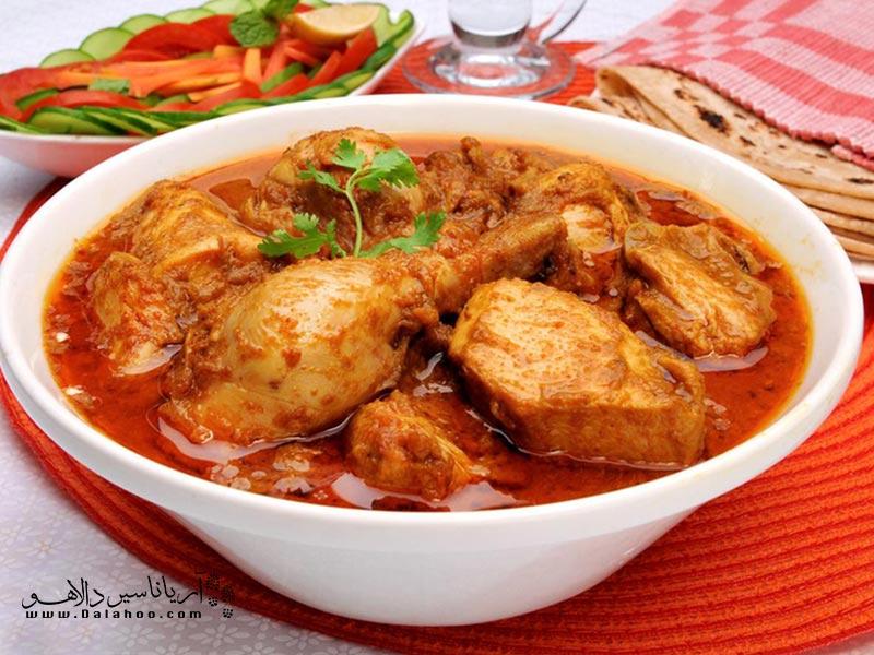 مرغ کاری یک غذای رایج در بین سریلانکاییهاست.