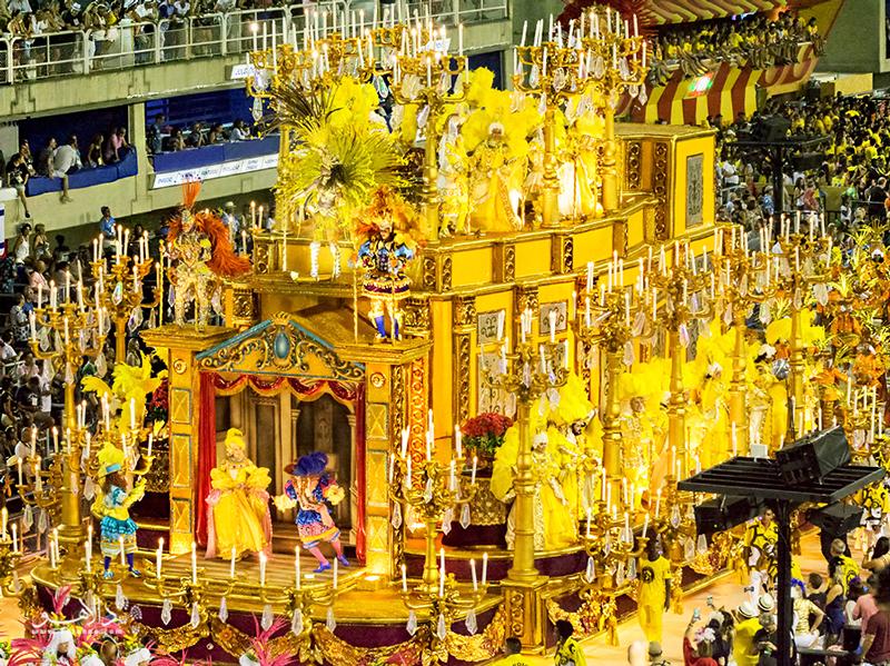 یکی از بهترین جشنهای کارناوال در ریو برگزار میشود.
