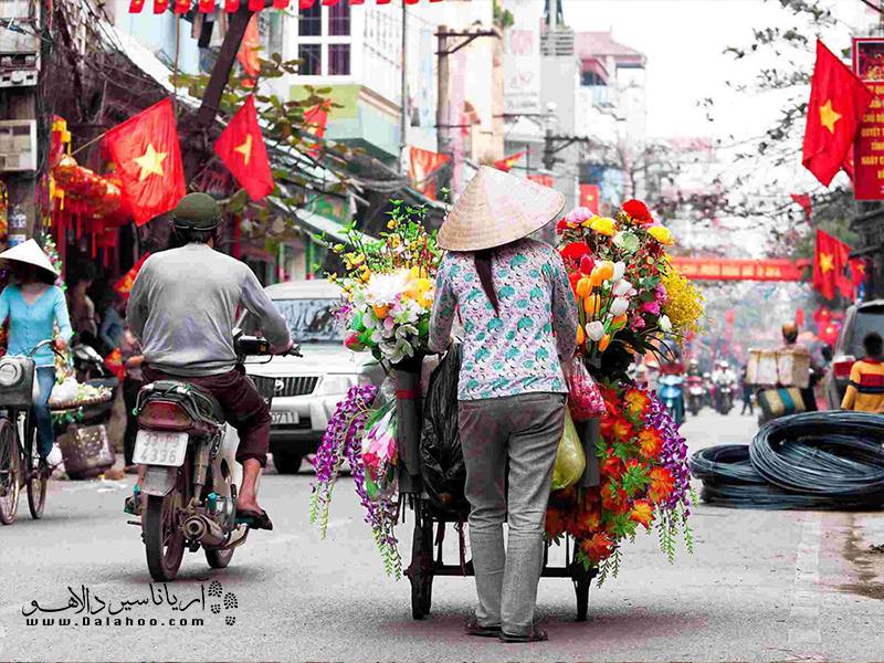 از زیباییهای شهر هانوی گلفروشهای خیابانیاش است.