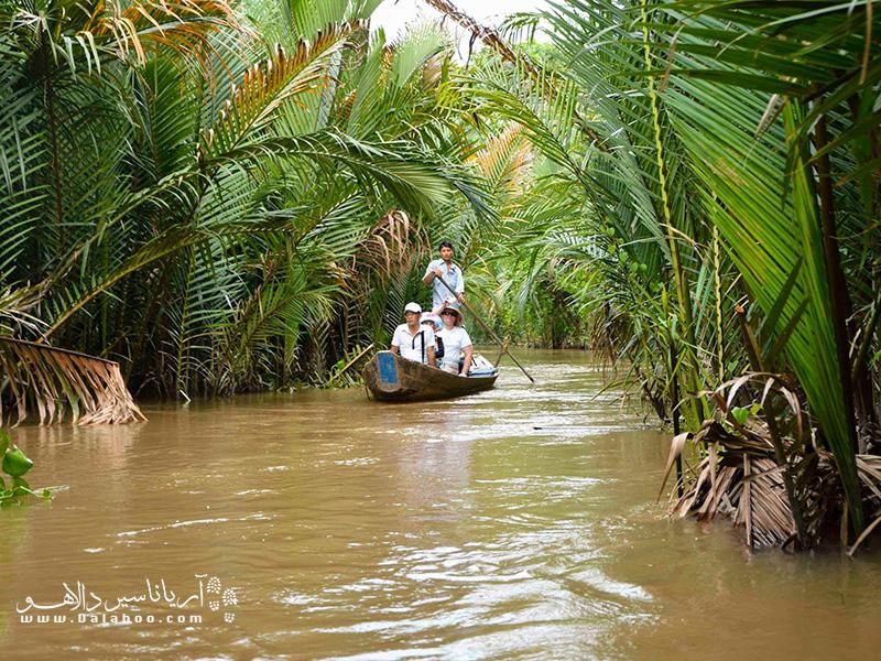 قایقسواری در رودخانهی بن تر شما را با نحوه زندگی محلیها در این منطقه آشنا میکند.