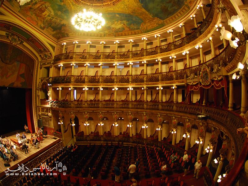ساختمان تئاتر مانائوس نشانه ثروتمندی این شهر در قرن 19 میلادی است.