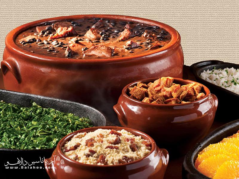 شنبه هر هفته مردم ریو برای خوردن فیجوآدا دور هم جمع میشوند.