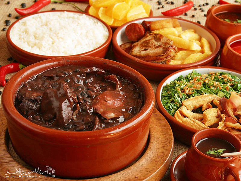 خورش لوبیا سیاه  یا فیژوآدا غذای مخصوص برزیل است.