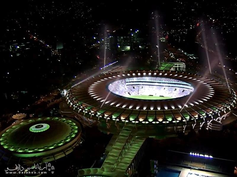 ورزشگاه غولپیکر ماراکانا، در قلب ریودوژانیرو شاهد صحنههای فراموشنشدنی از فوتبال برزیل و جهان بوده است.