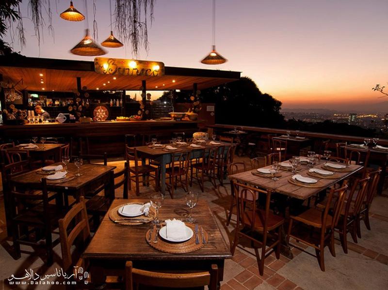 رستورانهای ریو، انواع مختلفی دارند، از چوپریاس گرفته تا دکههای غذافروشی