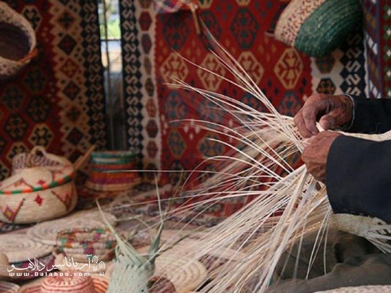 حصیر بافی در نقاط مختلف کشورمان به خصوص نقاط جنوبی رواج دارد.