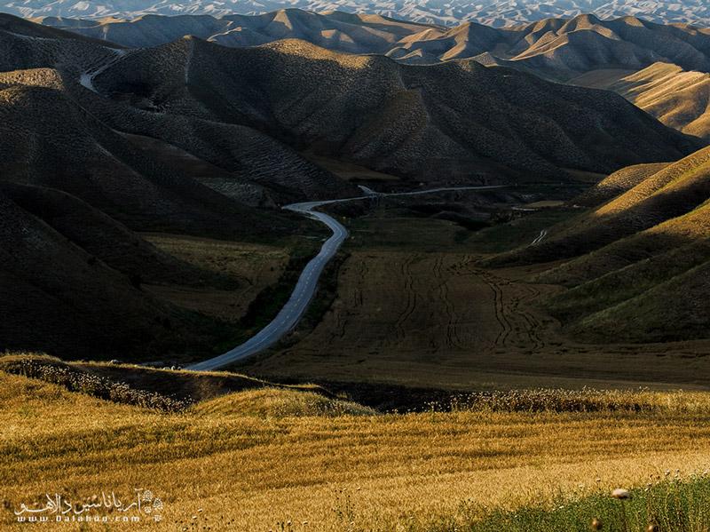 علاوه بر بهار، فصل پاییز هم برای سفر به ترکمن صحرا مناسب است.