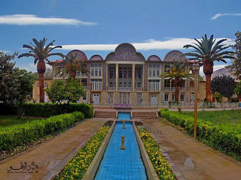 باغ ارم یک باغ گیاهشناسی در شیراز است و در فهرست میراث جهانی یونسکو به ثبت رسیده.