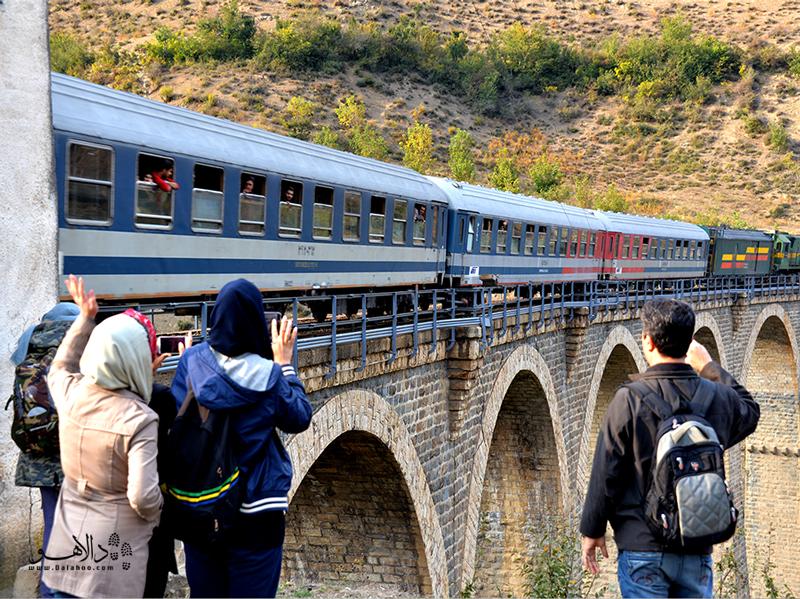 مسیر راه آهن شمال تنها مسیر ریلی با قطار گردشگری در ایران است.