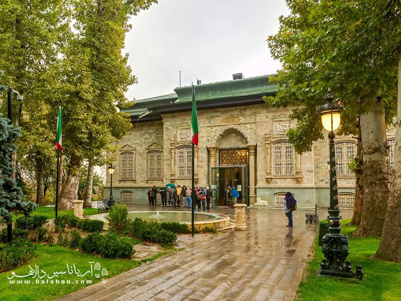 عمارت سبز که سابقا با نام کاخ شاهوند از آن یاد میشد، به عنوان زیباترین عمارت در کل ایران شناخته میشود.