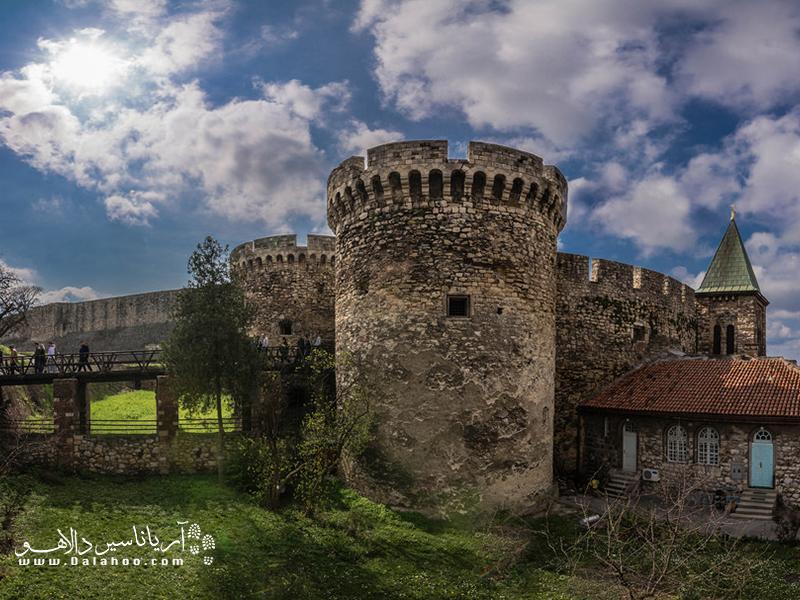 قلعه کاله مگدان پر از روایتهای تاریخ است.
