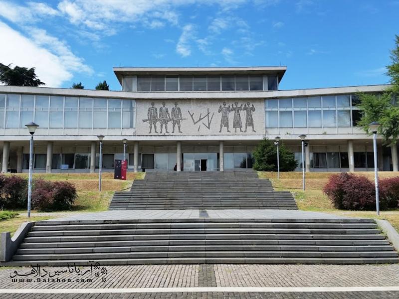 موزه یوگسلاوی بسیارتماشایی است و ساعتها میتواند شما را با روایتهای خود مشغول کند.