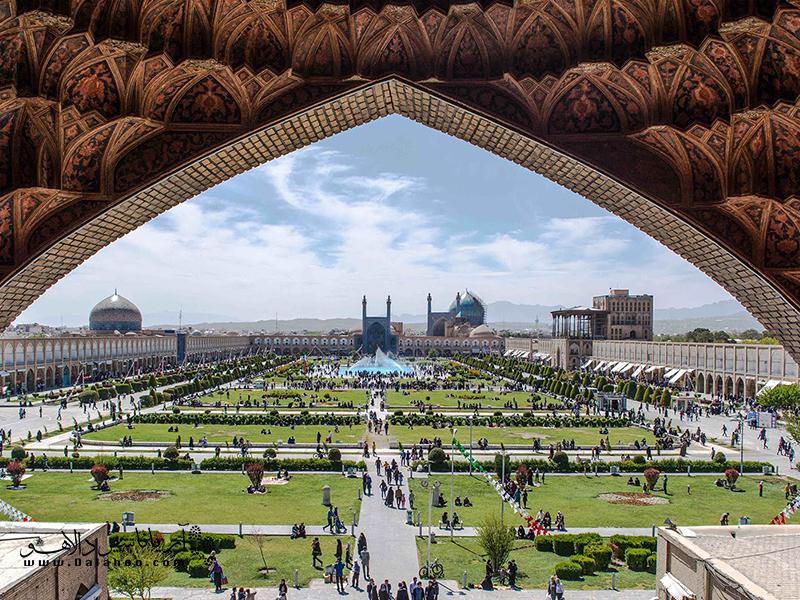 میدان زیبای نقش جهان.