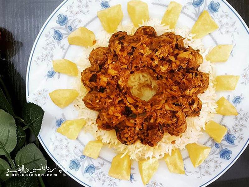 جالب است بدانید در جنوب کشورمان غذاهای خوشمزهای با کوسه طبخ میشود. پودینی یکی ازهمین غذاهاست.