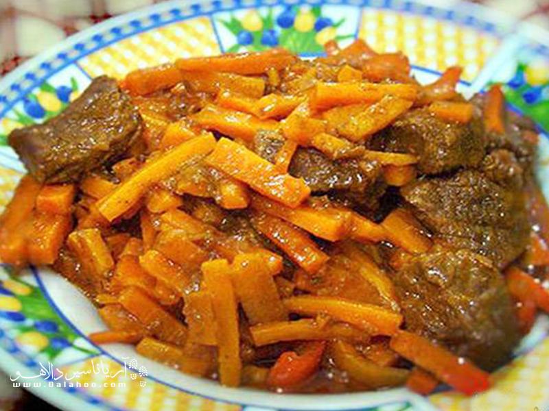 اگر از طعم نسبتا شیرین هویج در غذا خوشتان میآید، بدون شک از خورشت هویج خوشتان خواهد آمد.