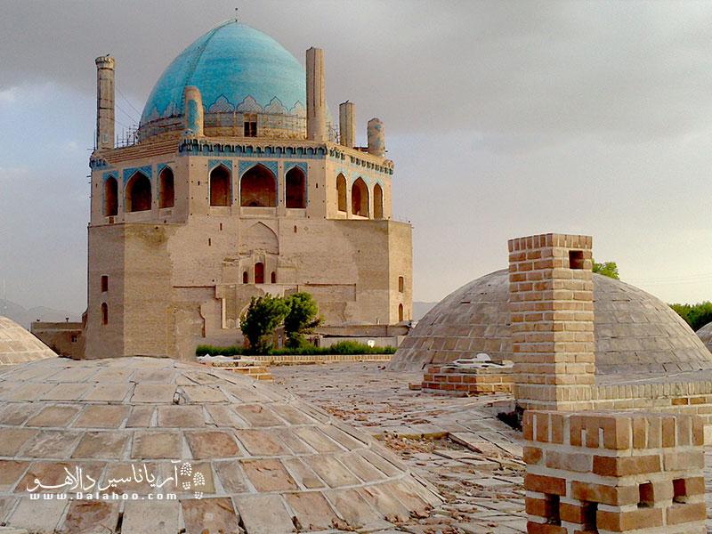 گنبد سلطانیه شاهکاری از معماری دوره ایلخانی است.