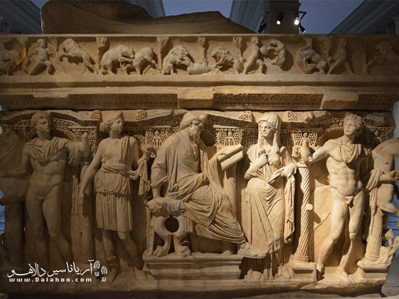مجسمههای یونان باستان در موزه باستان شناسی استانبول.