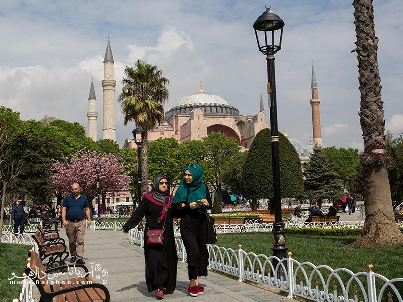 مصرف مشروبات الکلی در خیابانهای ترکیه ممنوع است.