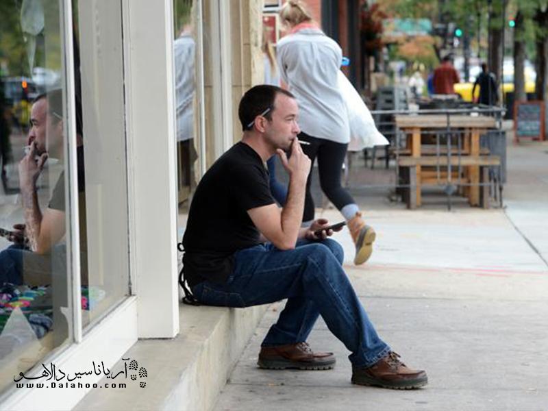 استعمال دخانیات در تمامی اماکن عمومی سر بسته ممنوع است.