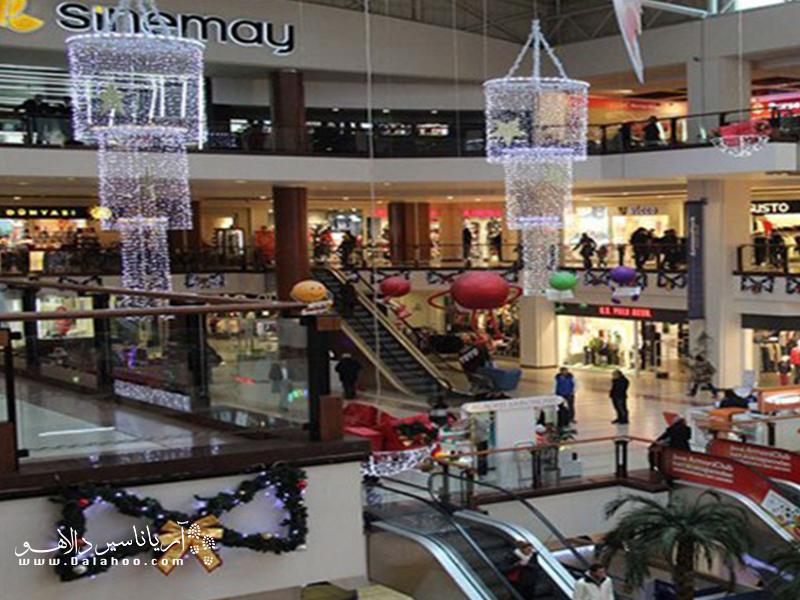 از ساعت 10 تا 22، می توانید از فروشگاههای دیپوسایت بازدید کنید.
