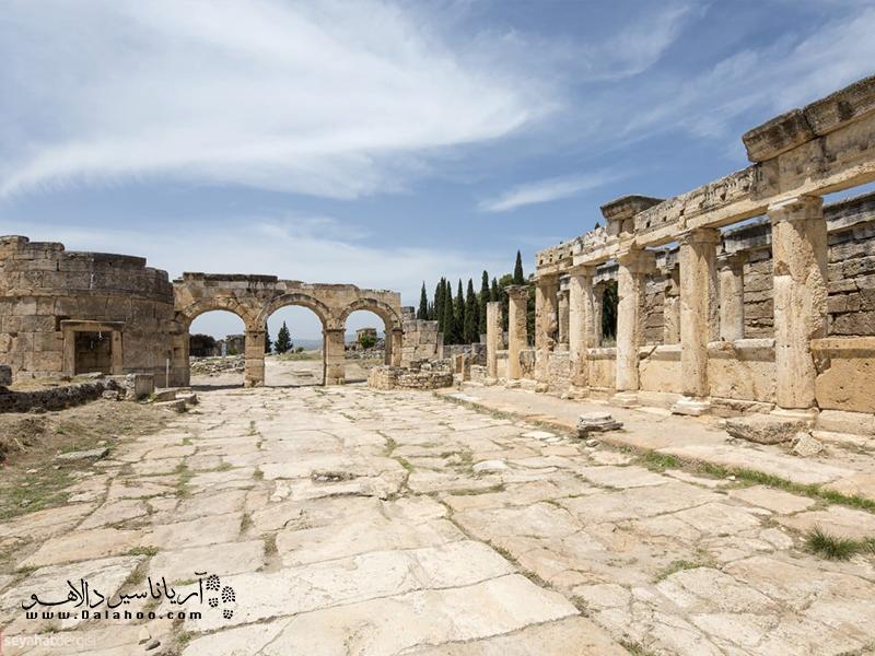 شهر باستانی هیراپولیس پر از روایت است.