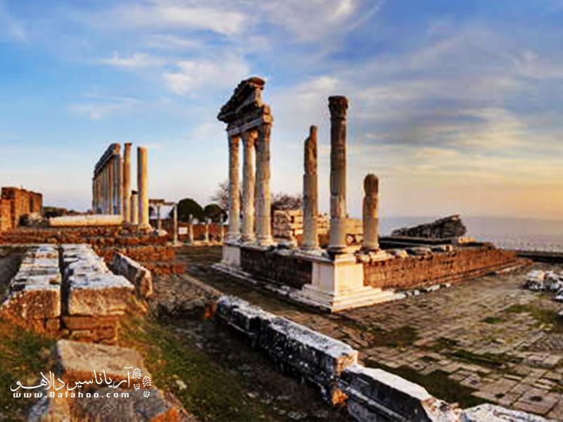یکی از سایتهای تاریخی اعجاب انگیز در ترکیه بقایای شهر تاریخی پرگامون است.