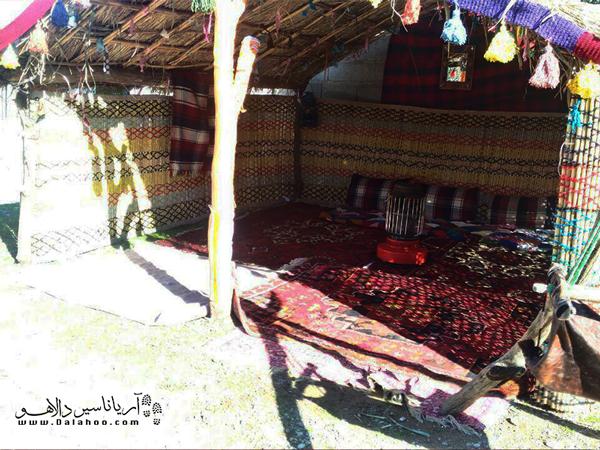 اقامتگاه بومگردی کبیرکوه، در روستای گاومیشان قرار دارد.