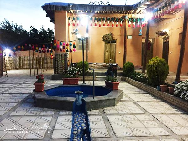 اقامتگاه رئیس اولین اقامتگاه بومگردی استان کهگیلویه و بویراحمد است.
