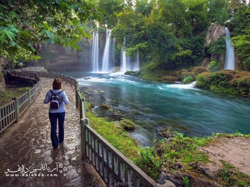 آبشار دودن در آنتالیا؛ طبیعتگردی در ترکیه را از دست ندهید.
